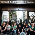 Lost in the Ocean of Deregulation? The Greek Labour Movement in a Time of Crisis